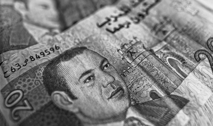 броене на банкноти